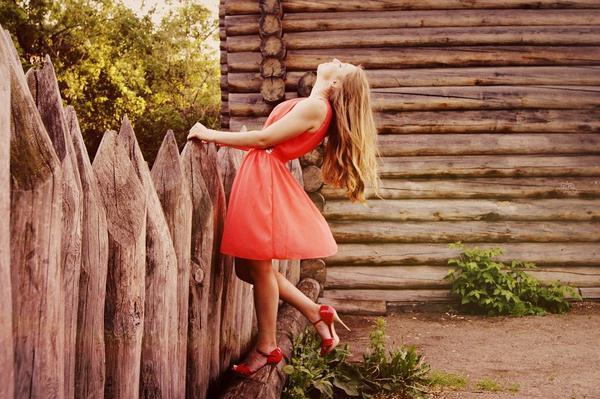 modna sukienka letnia krótka